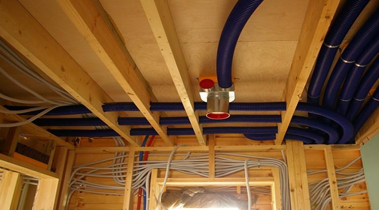 Установленная система вентиляции в частном доме