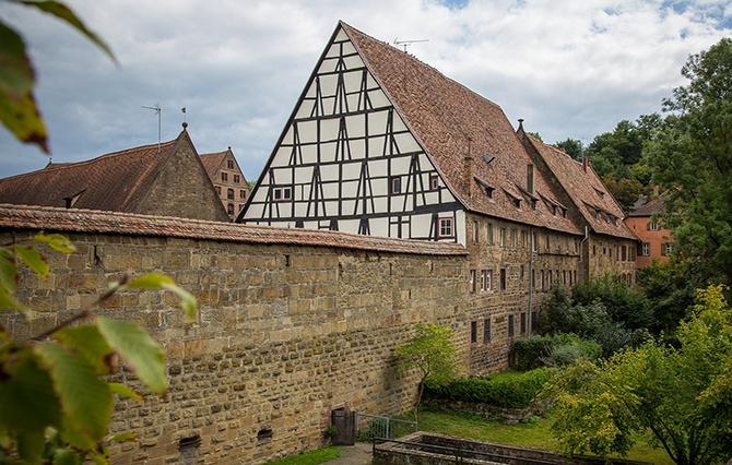 Монастырь в Германии с фахверком